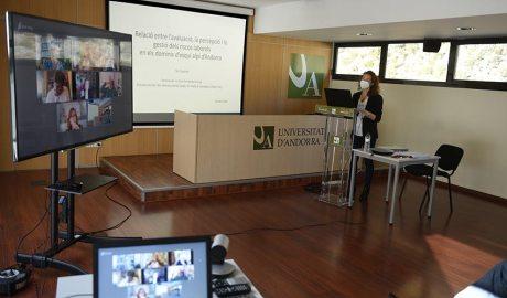 Cristina Fernández defensa la tesi doctoral sobre riscos laborals a les estacions d'esquí