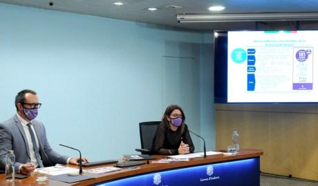 El ministre d'Afers Socials, Habitatge i Joventut, Víctor Filloy, i la cap d'àrea de Polítiques d'Igualtat, Mireia Porras.