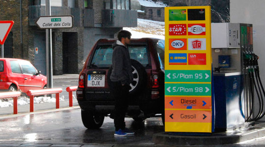 Una benzinera del país