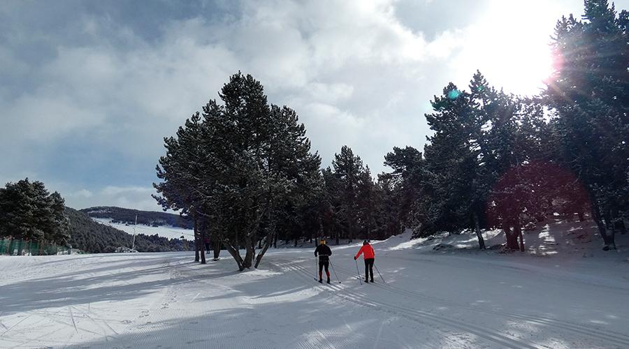 Esquiadors a Naturandia.