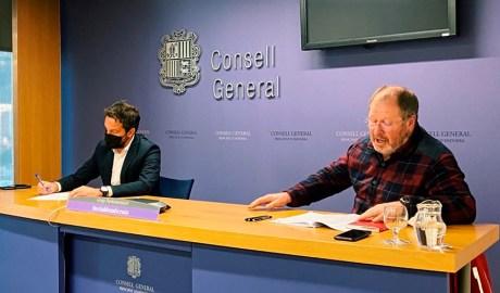 El President del grup parlamentari socialdemòcrata, Pere López, i el conseller general, Jordi Font.