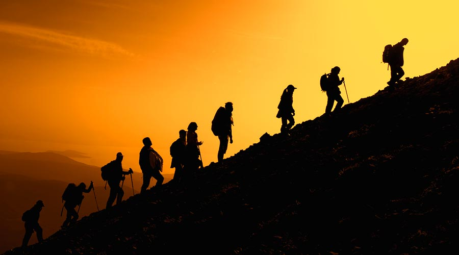 Grup d'excursionistes en una ascensió