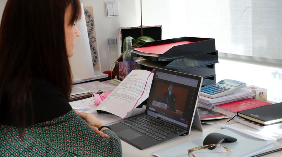 Mònica Bonell participant telemàticament a l'APCE