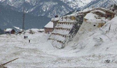 Un edifici afectat per l'allau d'Arinsal del 8 de febrer del 1996
