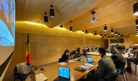 Els ministres Verònica Canals i Jordi Gallardo, i els cònsols d'Encamp en la reunió del Consell Econòmic i Social del Pas de la Casa