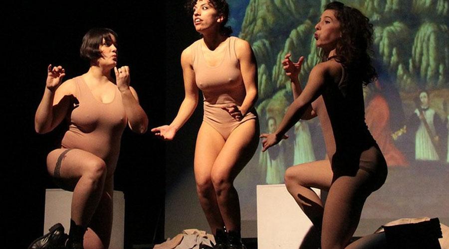 Un moment de la representació 'Elles #cosasdechicas'