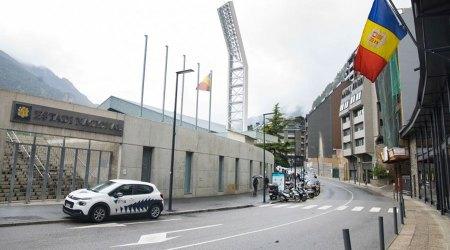 El carrer Baixada del Molí a l'alçada de l'Estadi Nacional
