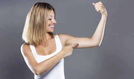 Evitar la flacciditat dels braços (