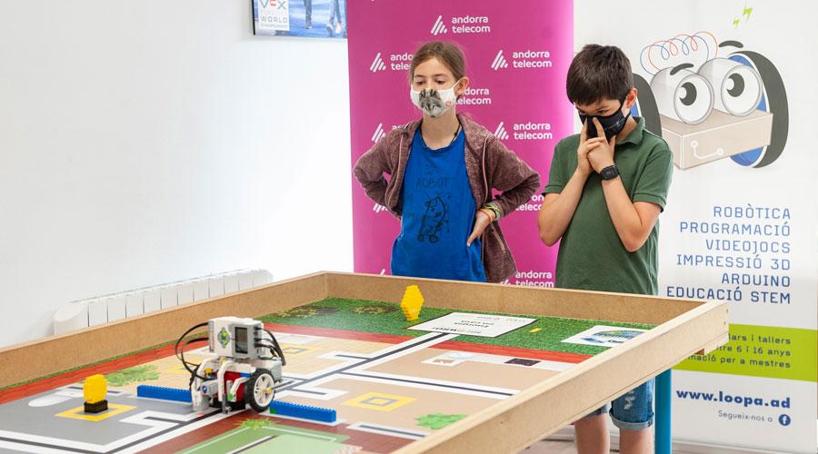 Un equip participant a la World Robotic Olympiad Andorra Telecom