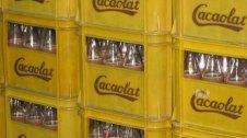 Caixes d'ampolles de Cacaolat