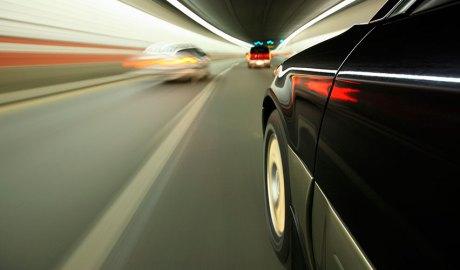 Vehicle en un túnel