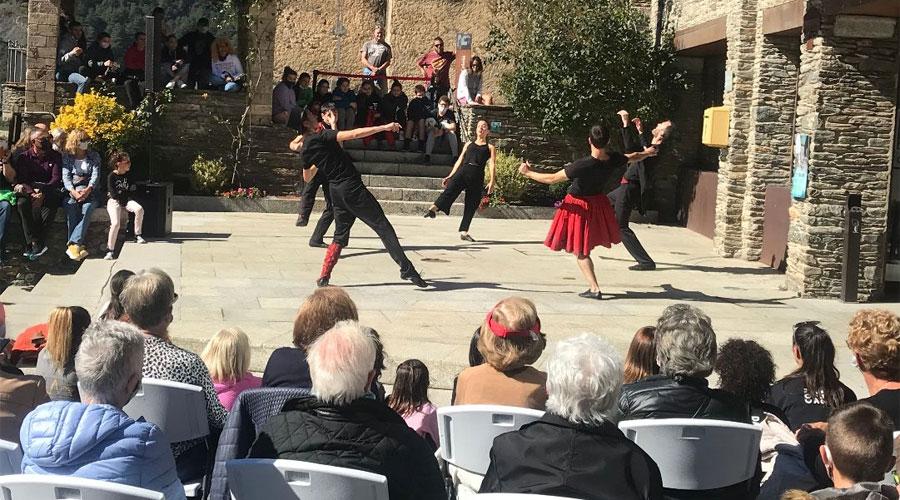 Un espectacle al festival Contradans, a Ordino