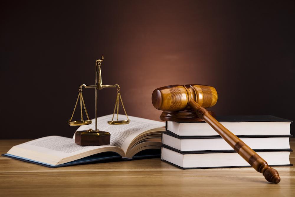 Initiative de mise en oeuvre: l'Etat de droit en danger?