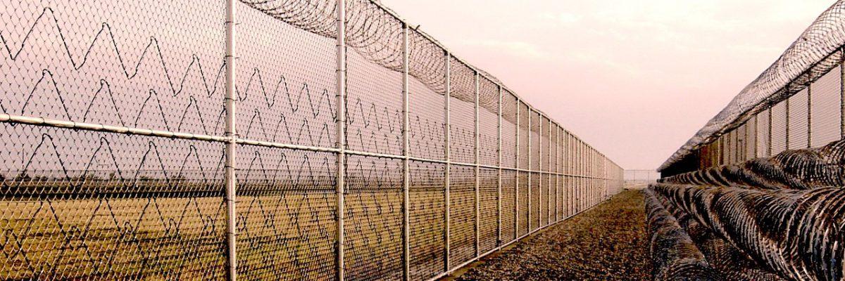 Liberté de mouvement des requérants d'asile: un rapport critique les autorités suisses — Le temps des réfugiés