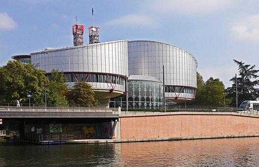N.A. et A.I. c. Suisse: deux jugements différents de la Cour européenne des droits de l'homme dans des cas semblables