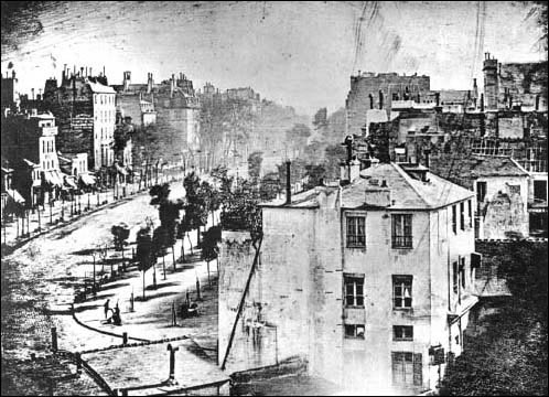 oldest_photo_1823_BoulevardDuTempleParis