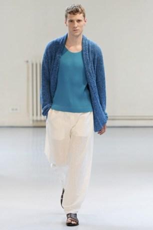 Issey Miyake (25)