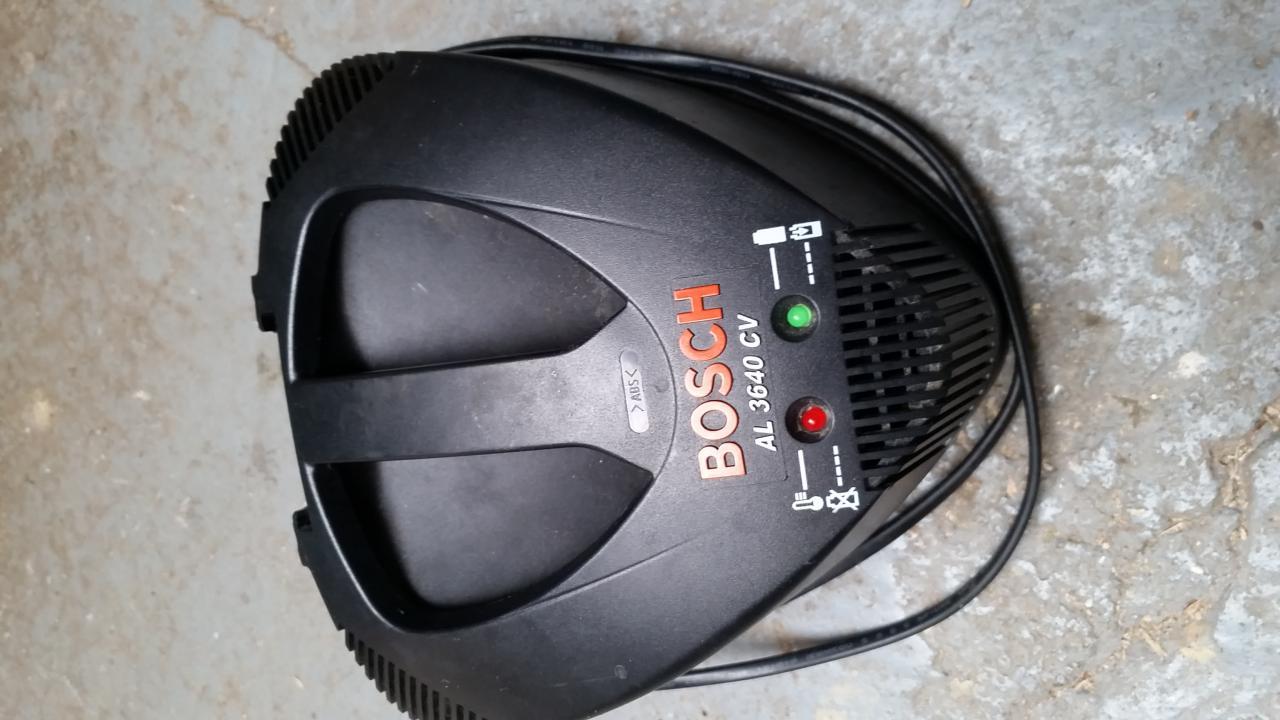 Divers Chargeur Bosch Al3640cv