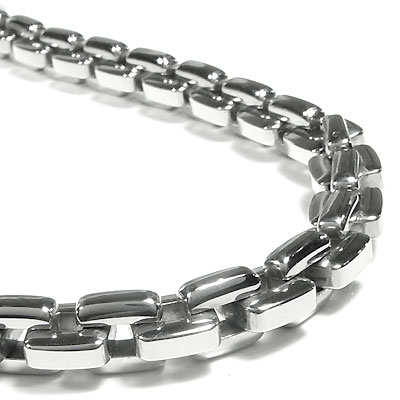 stainless-steel-necklace