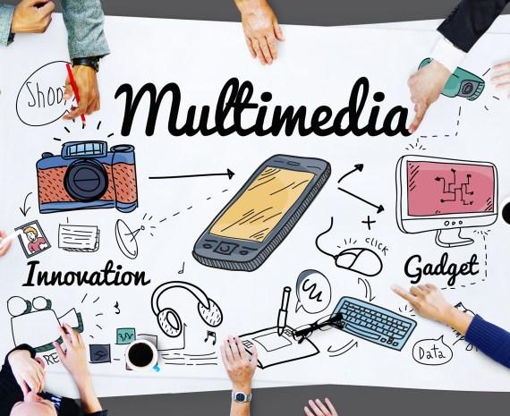 Una gráfica con ilustracones de dispositivos meltimedia y manos de personas sobre los bordes - educador multimedia