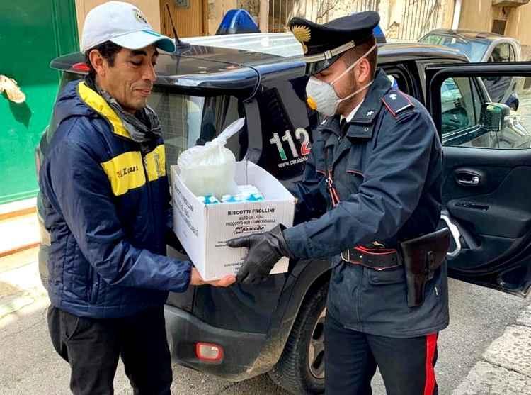 Carabinieri accanto alla Caritas per aiutare famiglie bisognose