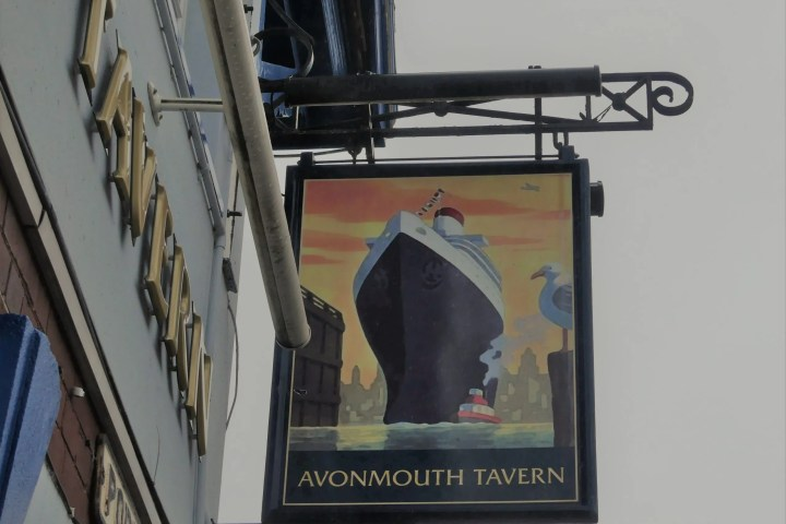 Walk from Avonmouth to Shirehampton - Avonmouth Tavern
