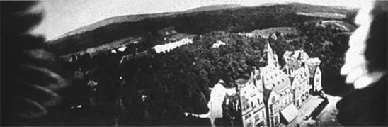 Fotografia aérea de Schlosshotel Kronberg feita por uma pomba