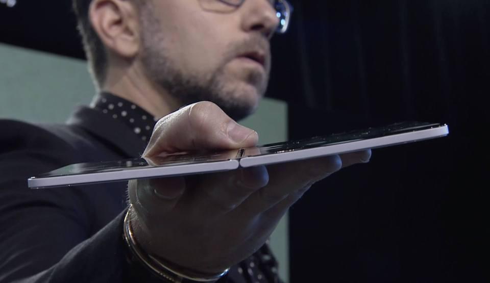 permukaan tipis duo microsoft