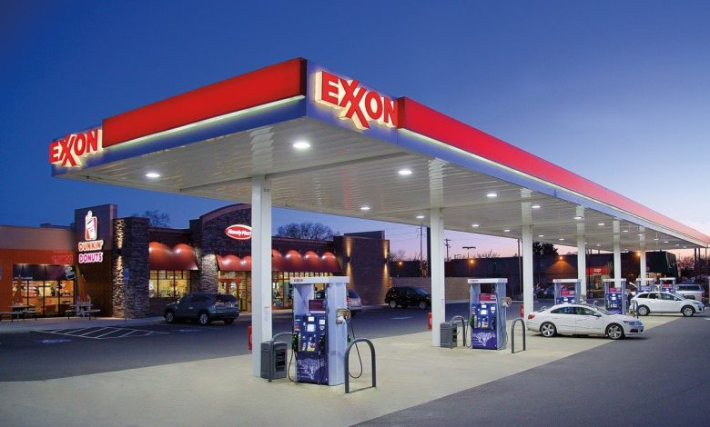 Photo of Exxon Mobil Fights Allegations of Misleading Investors on Climate Change