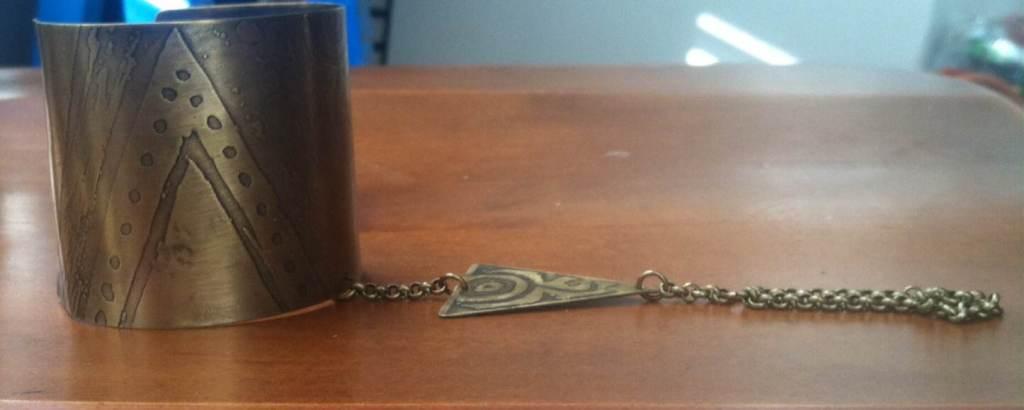 Arabic bracelet ring