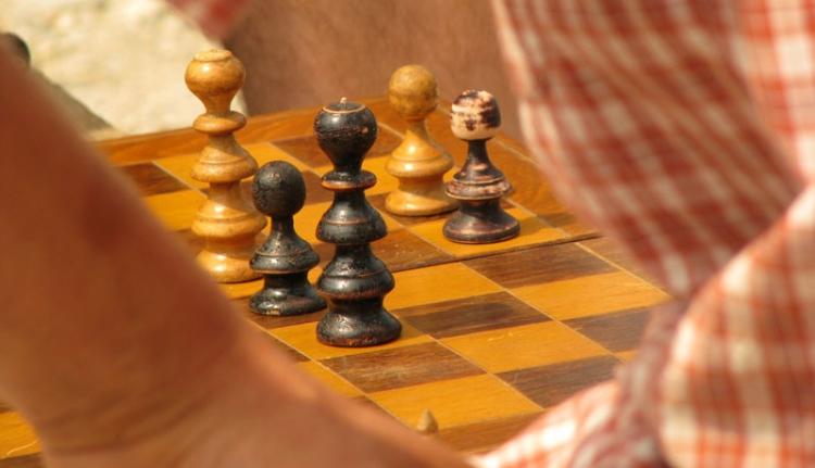 Sakkot lehet tanulni a suliban