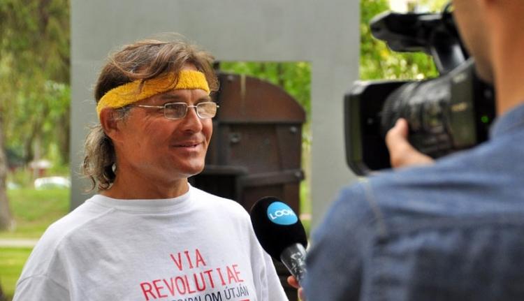 Befutott a forradalmi maratonozó