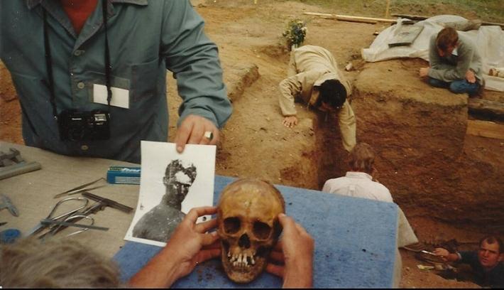 Szimbolikusan eltemették a Petőfi Sándor nevű nőt