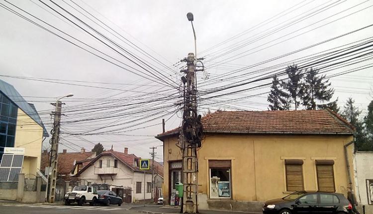 A kolozsvári villanypóznák sanyarú sorsa