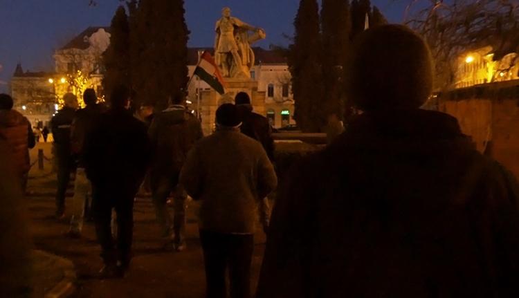 Hangos tüntetés a város becsületéért Kézdivásárhelyen [VIDEÓ]