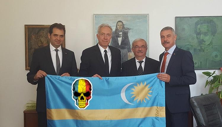 Így hörögtek a hazafi román politikusok Hans Klemm zászlós fotója láttán