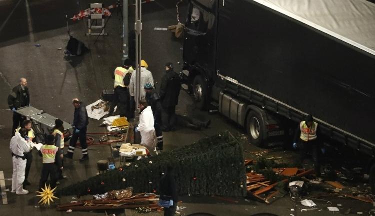 Őrizetbe vették a berlini merénylő feltételezett segítőjét Németországban