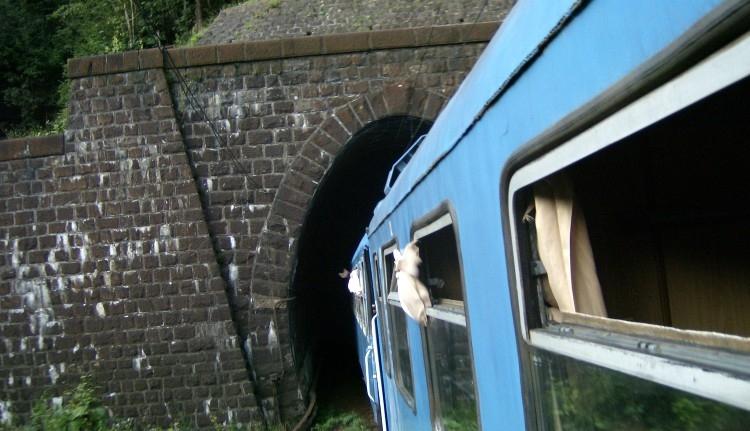Alagútban gázolta el a vonat
