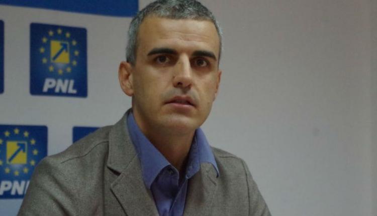 Sanyarú a politikus sorsa: munkanélküli segélyért folyamodott egy volt szenátor
