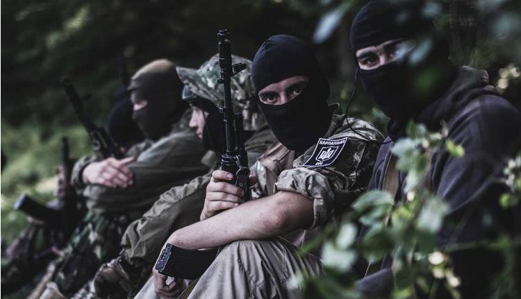 """Fasisztoid félkatonai szervezet védené meg """"ukrán Kárpátalját"""" a magyaroktól"""