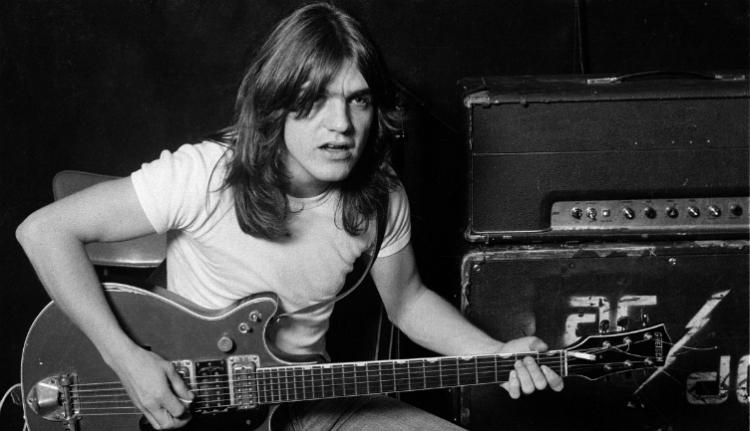 Meghalt az AC/DC alapító gitárosa, Malcolm Young