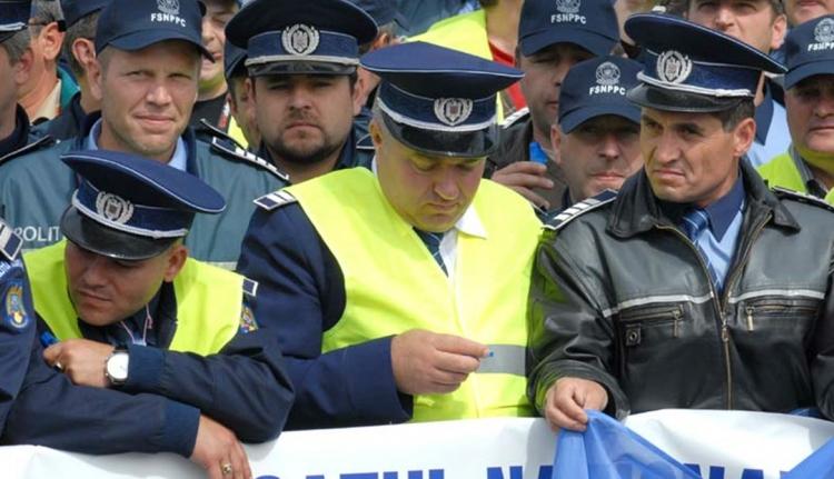 Legatyásodott a rendőrség és a büntetés-végrehajtás – tüntettek az egyenruhások