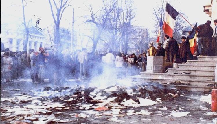 Egy romániai város első forradalmi polgármestere lemondott… egy disznóvágásért