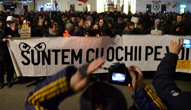 Felkeresték a kormányfőt a tüntetők