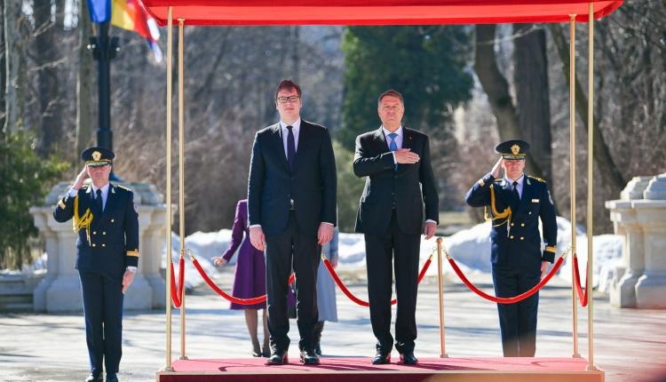 Iohannis: nem áll le a migránsáradat