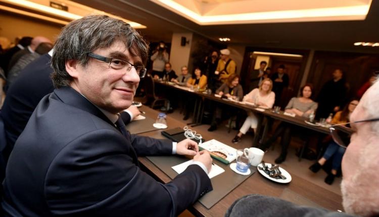 Húsvét utánig izgulhat Carles Puigdemot