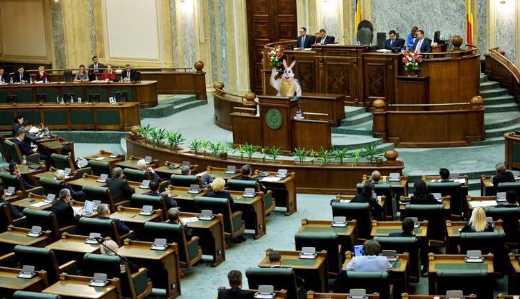 A parlamentben támad fel a tanárok nyuszija