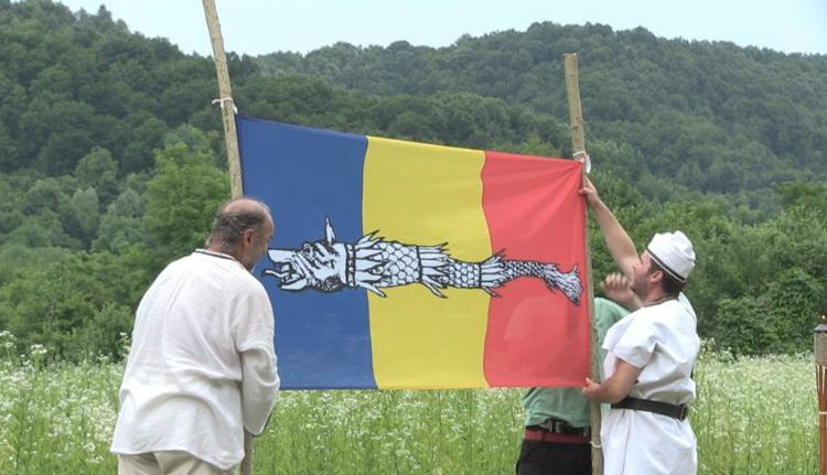 Miért közösülnek a dákomániás románok Sarmisegetusában?