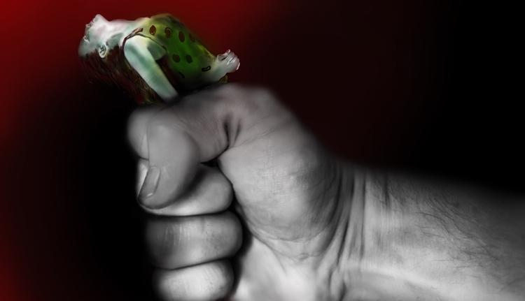 Becsukták a 48 órás kiskaput: azonnal kiteszik a bántalmazót otthonról