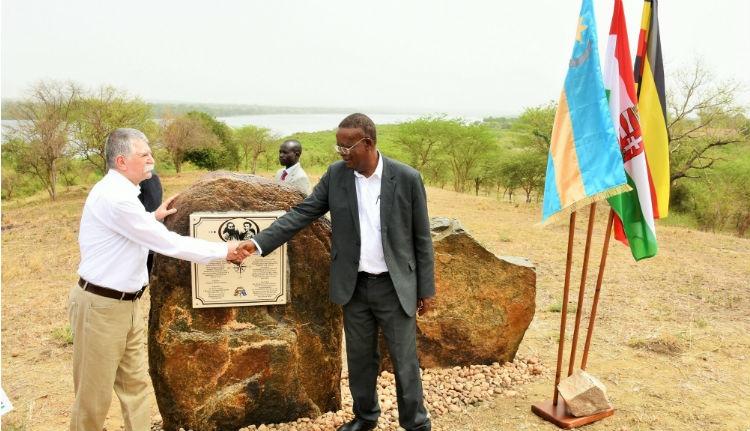 Alig írtunk az erdélyi Afrika-kutatónőről, máris emléket állítottak neki Ugandában